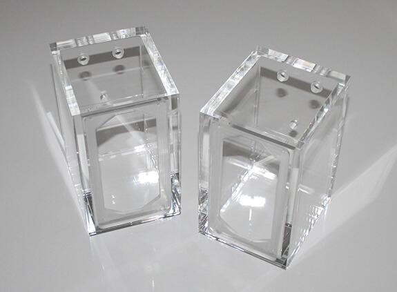 Lautsprechergehäuse aus Acrylglas