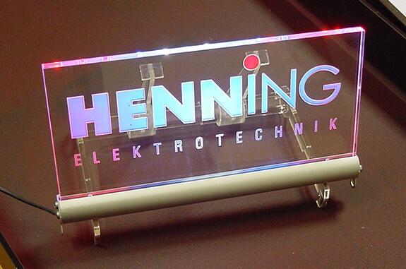 LED-Aufsteller mit Gravur