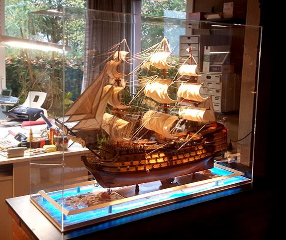 Plexiglas Abdeckhaube für Modellschiff