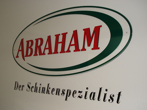 Acrylglas-Schild mit Einzelbuchstaben – Abraham