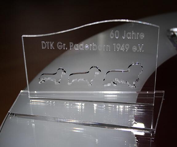 Pokal aus Acrylglas – Dackel Paderborn